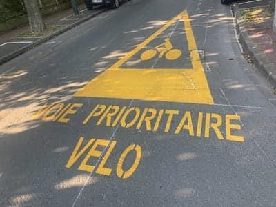 priorité vélo- saint-maur